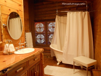 master bath, log cabin, slipper tub