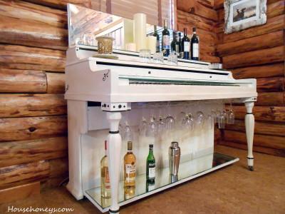 piano bar white