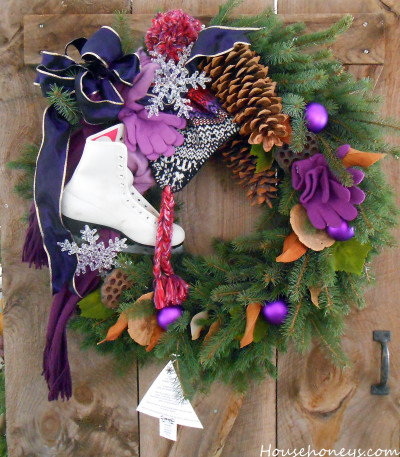 theme decorating for a wreath