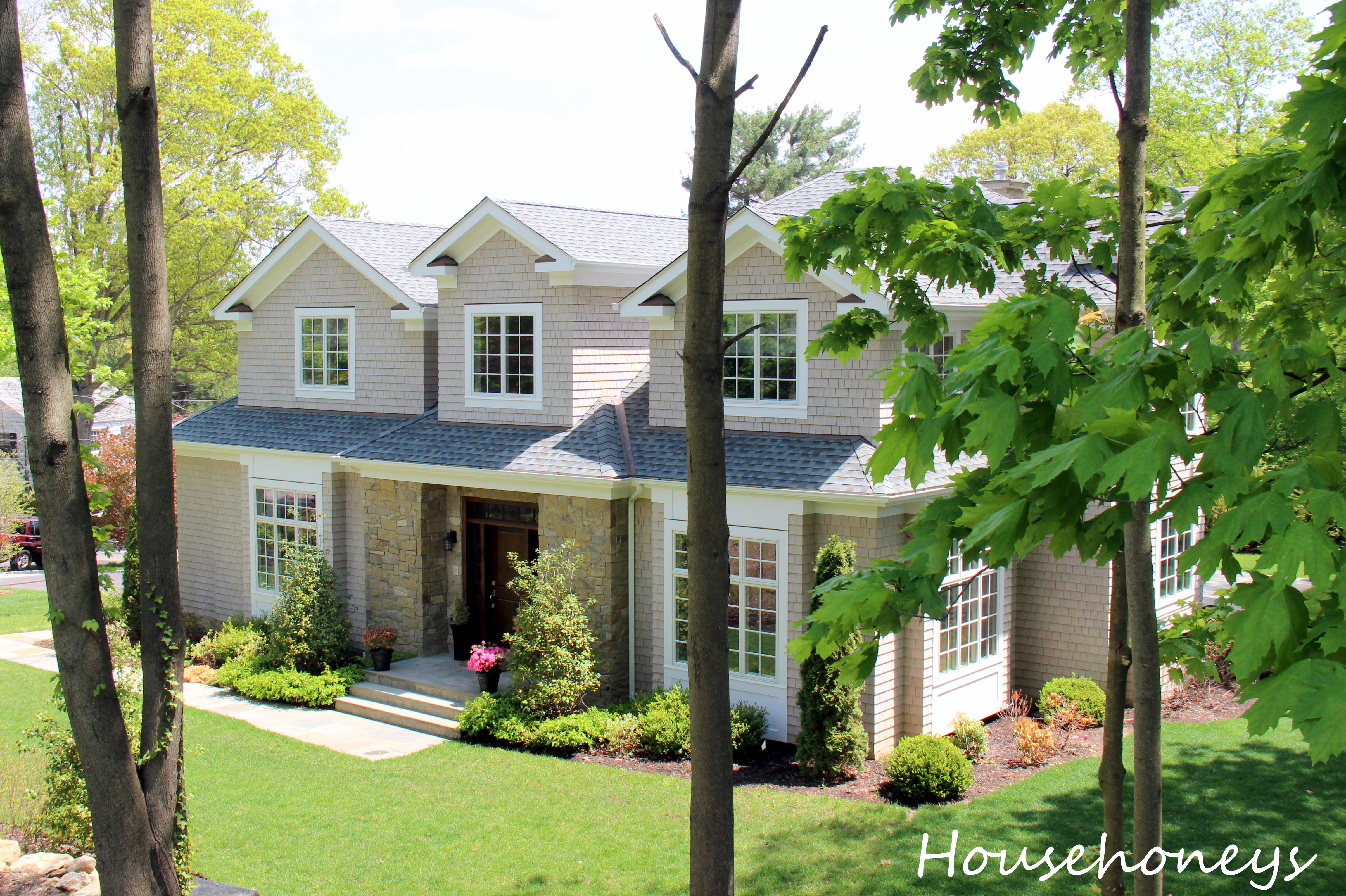 28 white plains classic homes fox residential for Classic homes llc