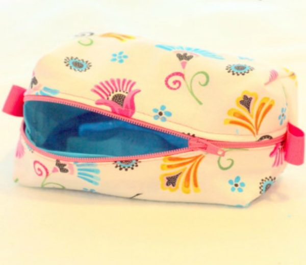 Two Easy Ways to Line a Boxed Cosmetic Pouch