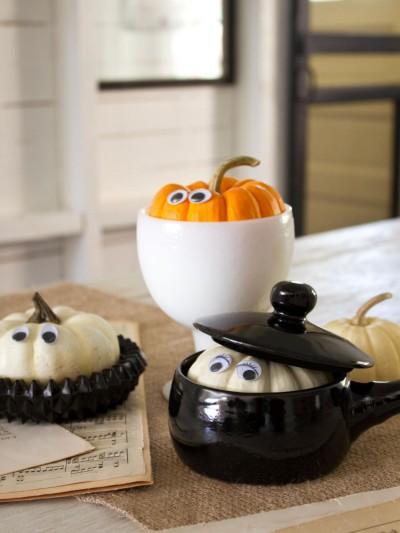 original_Layla-Palmer-Halloween-Peek-a-boo-pumpkins_s3x4.jpg.rend.hgtvcom.966.1288