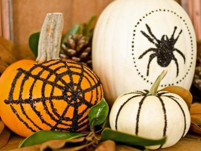 original_Marian-Parsons-Halloween-glittered-pumpkins-beauty_4x3.jpg.rend.hgtvcom.966.725