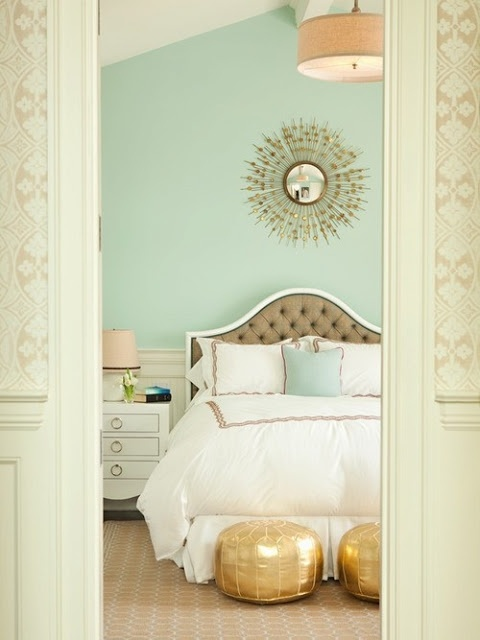 bedroomwithgoldaccents